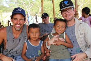 """Giveback Homes Ambassador for Change, Madison Hildebrand & Audie Chamberlain of Partners Trust made great friends with the """"Gemelos"""" (Spanish for twins)"""